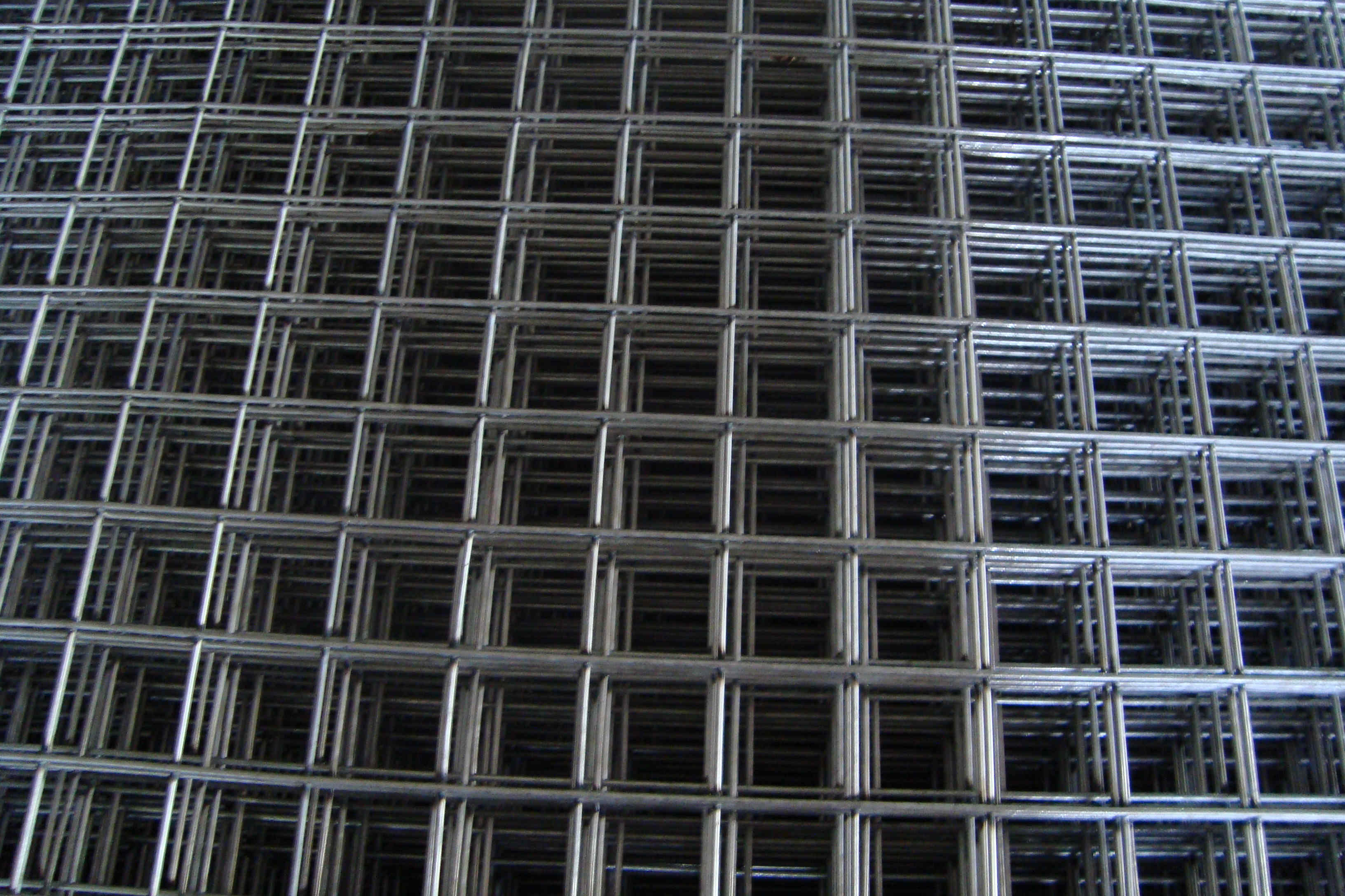 Rebco Fence Links Reb Mech Residential Wiring In Europe Welded Mesh Is Produced By Zinc Coated Gi Wire And Followed Electrical Resistance Welding The Galvanized Coating Of Dimensions